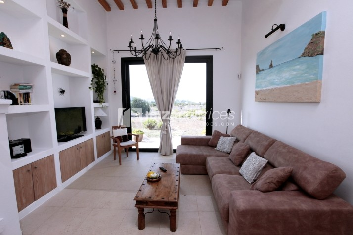 Rustic villa San Miguel 1 km from the beach perspectiva 7