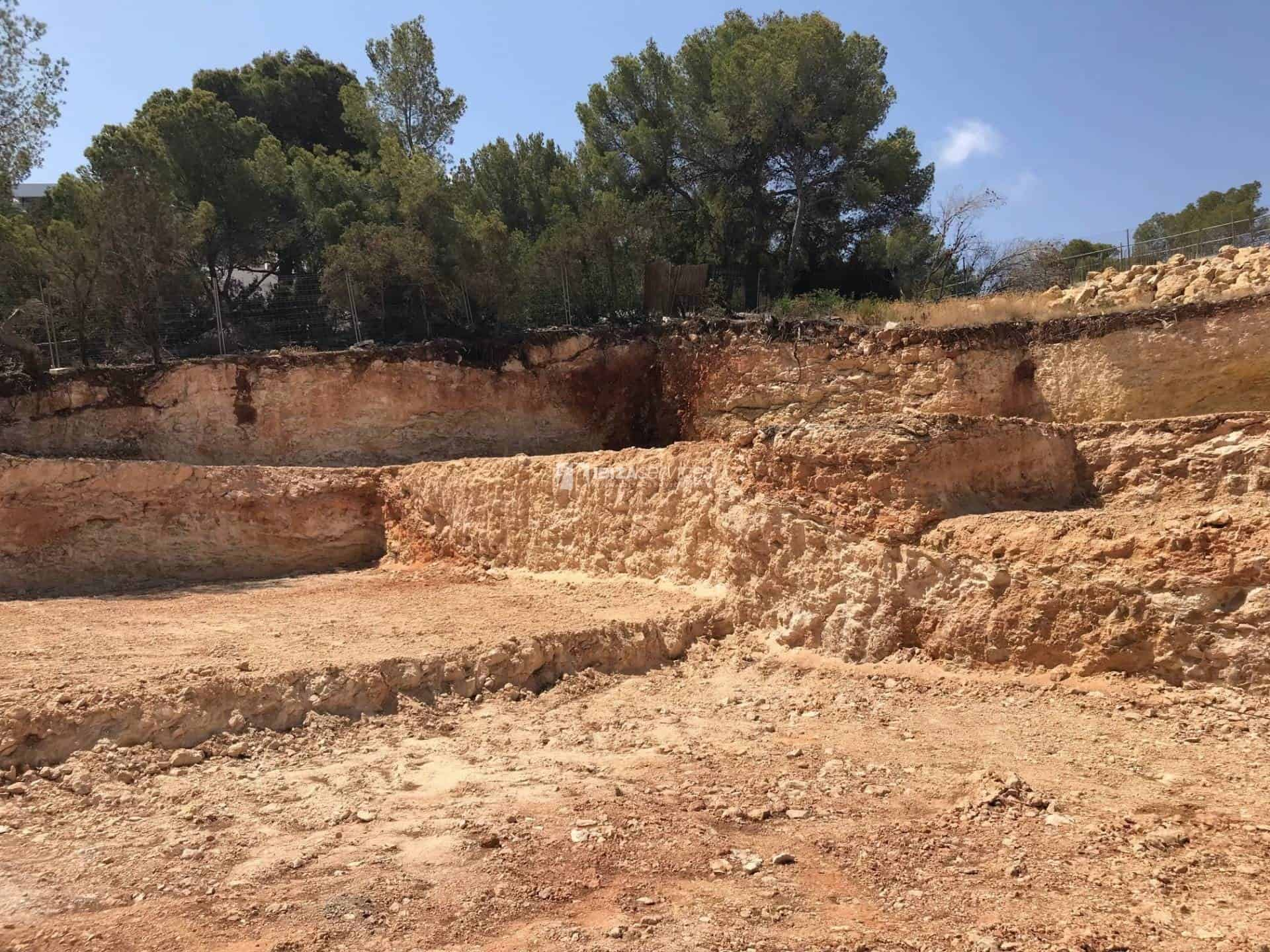 Plot with licenced project for sale Cala Moli perspectiva 5