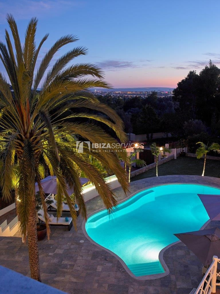 Holiday rental 5 minutes from Ibiza town, 6 bedroom house