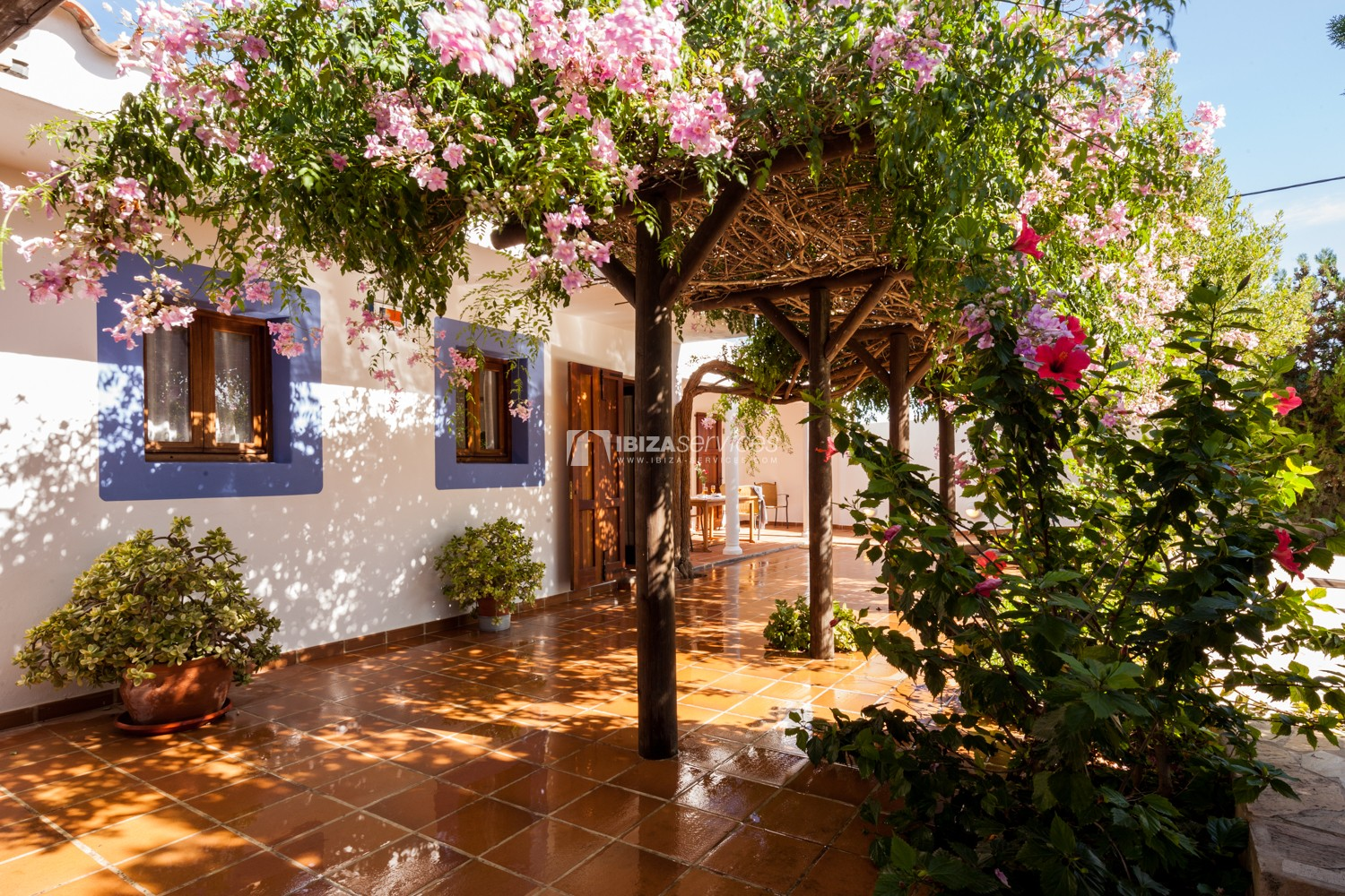 San Agustin traditional 3 bedroom pool villa