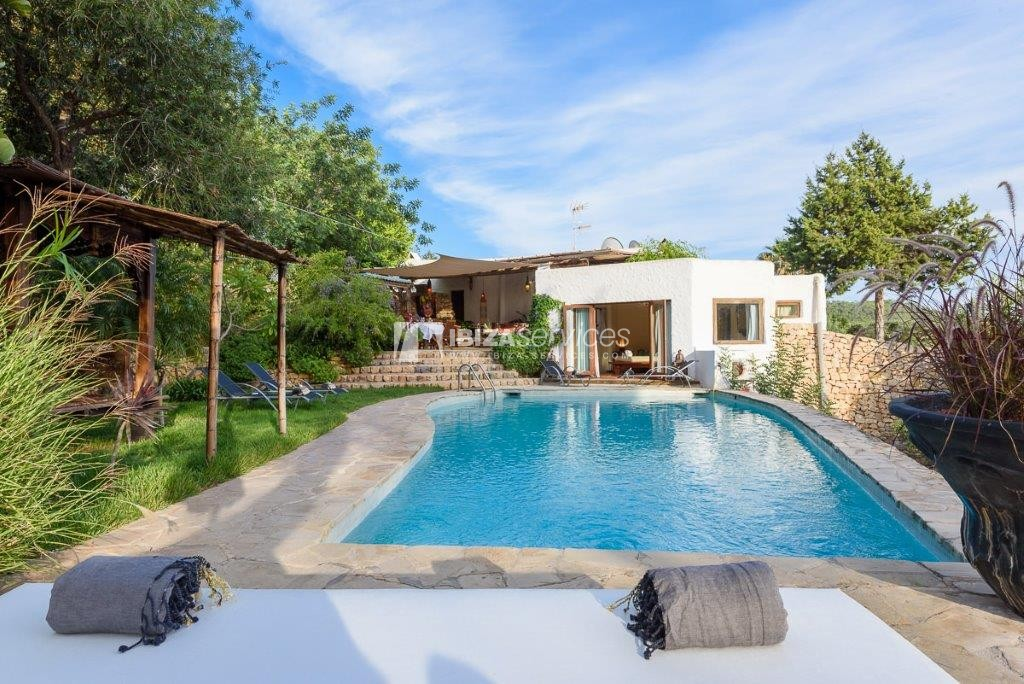 Lovely restored Finca natural beauty and elegance perspectiva 1