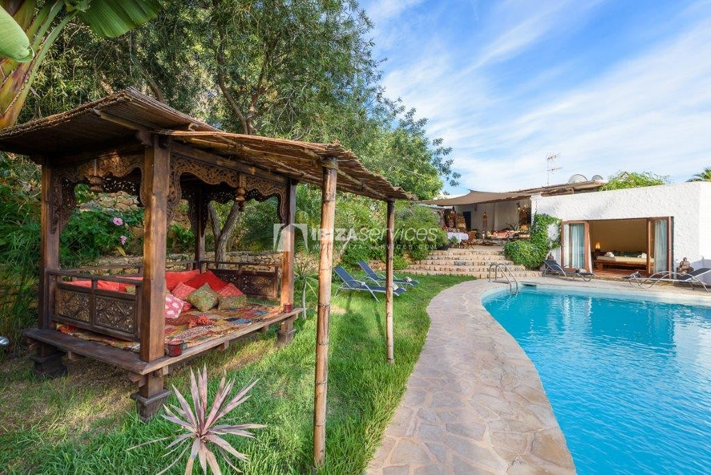 Lovely restored Finca natural beauty and elegance perspectiva 3