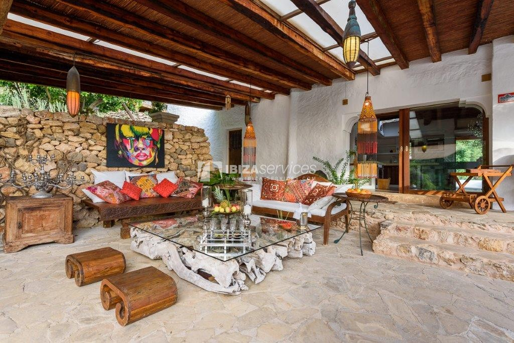 Lovely restored Finca natural beauty and elegance perspectiva 22