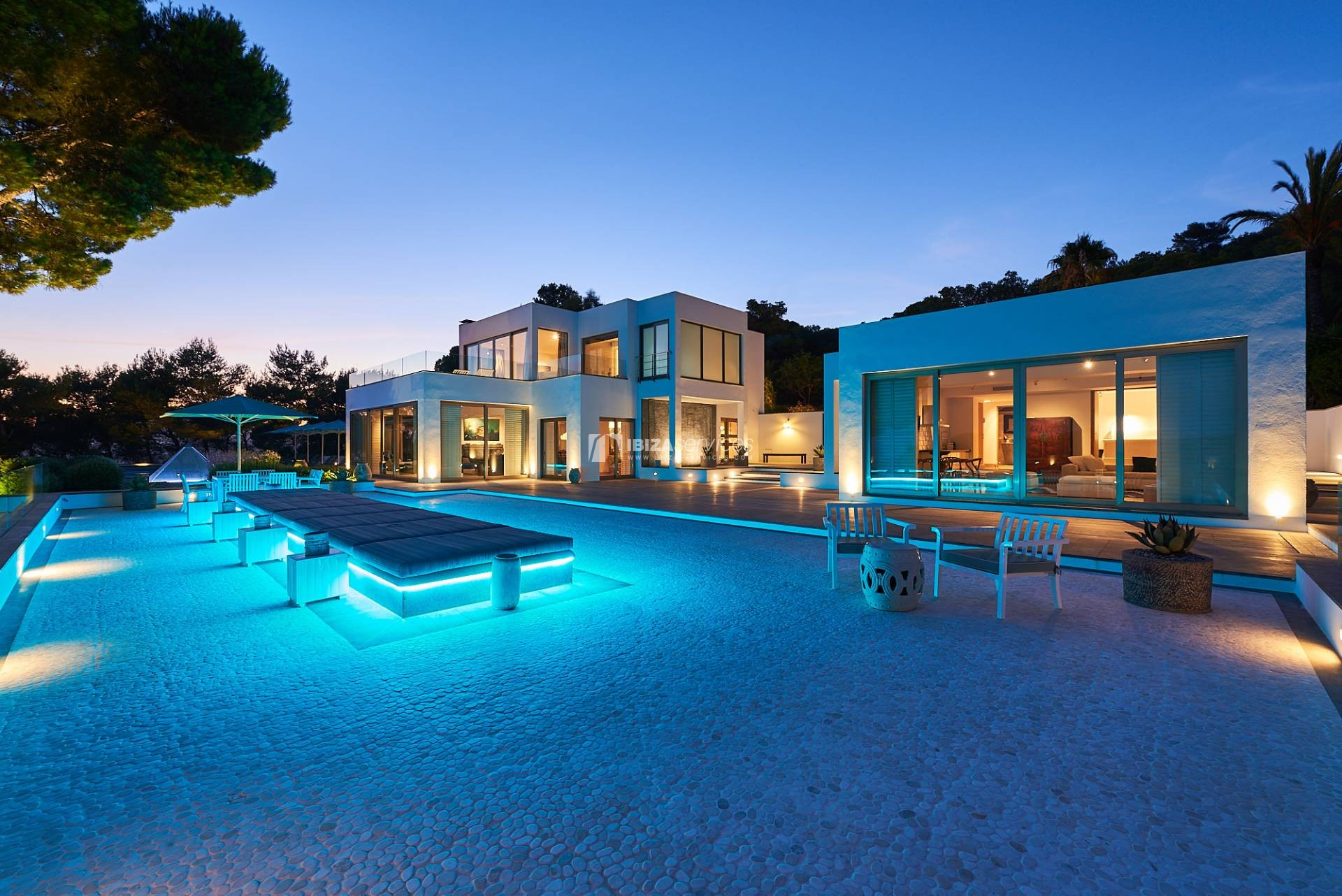 6 bedroom super luxury Ibiza villa situated in Km5