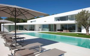 Buy an exceptional villa Cala Salada
