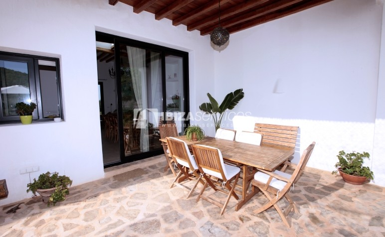 Rustic villa San Miguel 1 km from the beach perspectiva 17
